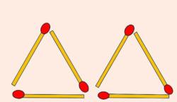 Mozdíts el két gyufát úgy, hogy összesen négy háromszög jöjjön létre! A szálak fedhetik egymást.