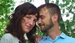 Az első randijukon észrevett valami furcsát a férfi kezén: 4 hónappal később párja bevallotta az igazságot